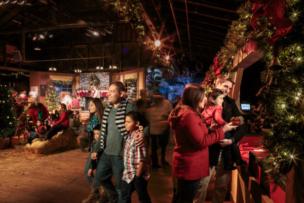 Knotts Merry Farm Santas Christmas Cabin