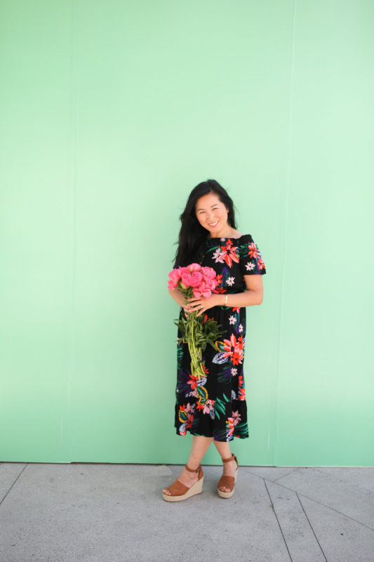 mommy blogger, stay-at-home mom, old navy, peonies, slay at home mom, blogger,
