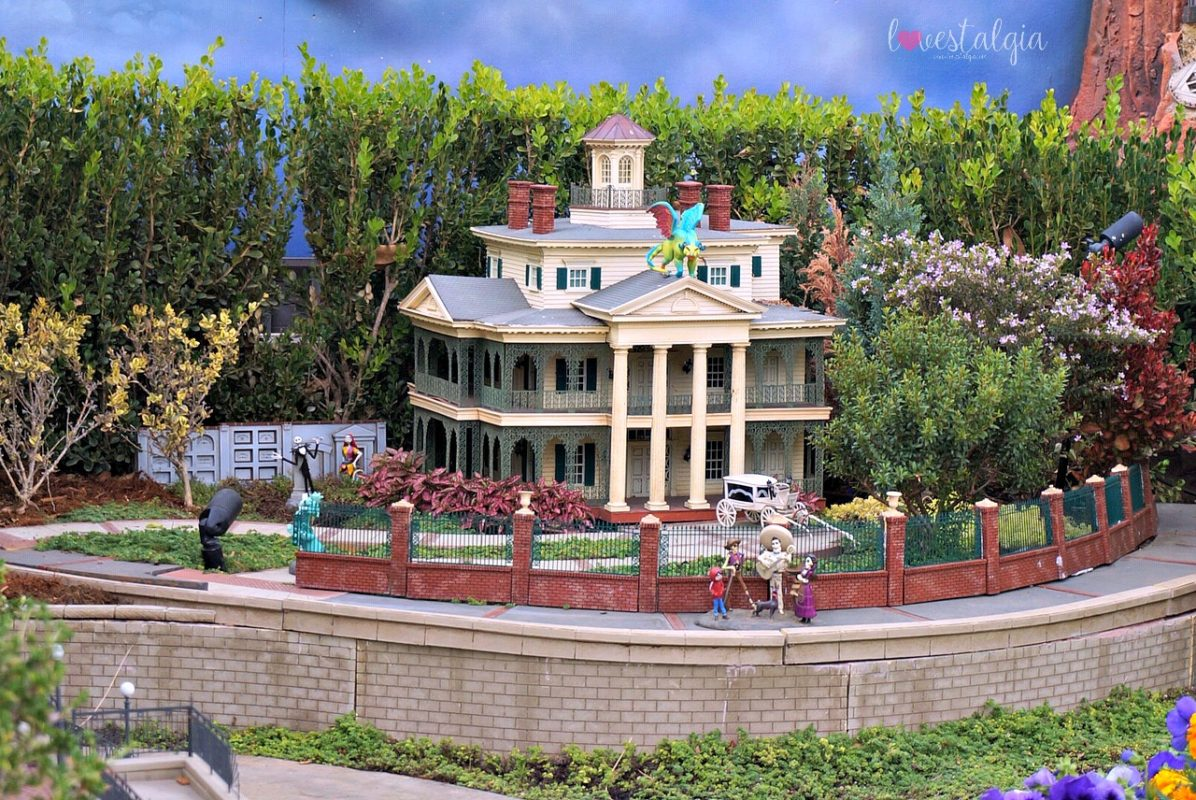 castle peak and thunder railroad, architect, david sheegog, disneyland replica, disneyland castle, disney, anaheim, disney, mickey mouse, disneyland railroad, haunted mansion, disney fan, jack and sally, nightmare before christmas, coco