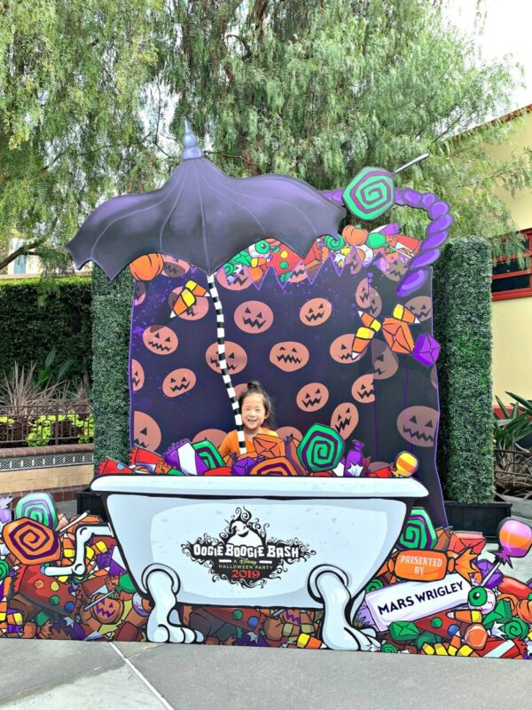 oogie boogie bash, photo opp, disney california adventure park, disneyland, halloween party, things to do with kids